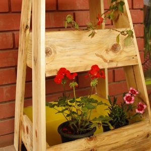 Wooden ladder planters